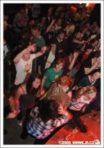 https://images.j5.cz/system/0000/0021/21364_l--seznam-mobile__dutty-weekend-special-x-shake-your-boombox-lucerna-music-bar.jpg