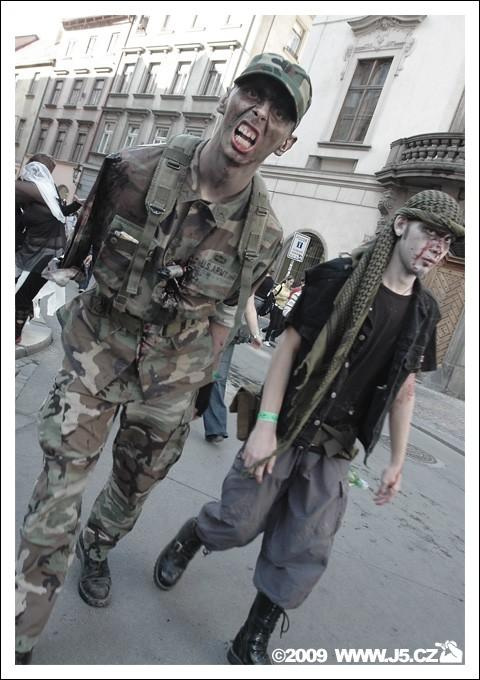 https://images.j5.cz/system/0000/0022/21801_d--fotka-mobile__army-zombie.jpg