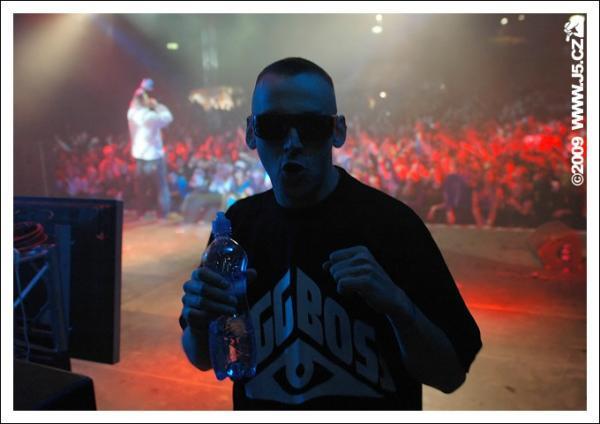 https://images.j5.cz/system/0000/0023/23074_d--fotka-mobile__hugo-toxxx-bigg-boss-jam-hip-hop-jam-2009.jpg