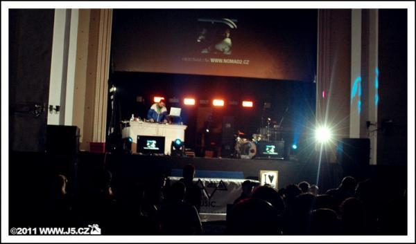 https://images.j5.cz/system/0000/0031/31335_d--fotka-mobile__venue-club.jpg
